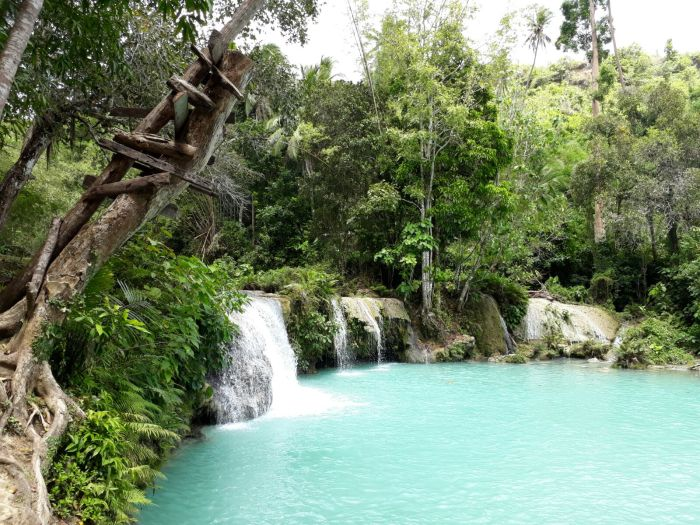 Cambugahay Waterfall, Siquijor, the Philippines