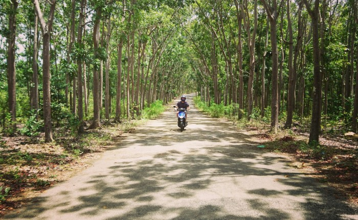 Philippines: Two wheeling on Siquijor